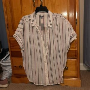 NWT Short Sleeve Button Up